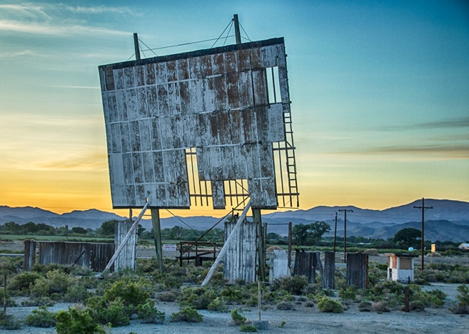 abandoned-drive-in-theater-yurington-nevada